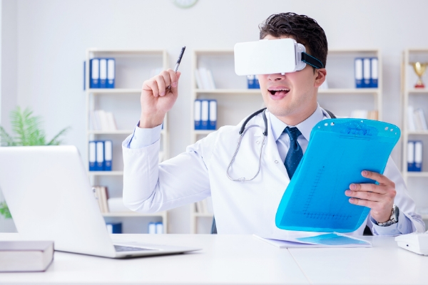 A doctor using a VR Headset